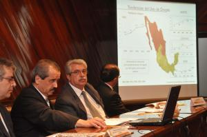 EL DR. JOSE ANGEL CORDOVA VILLALOBOS EN COMPAÑIA DEL SECRETARIO TECN. DE CONADIC, CARLOS RODRIGUEZ AJENJO Y DEL SUB SECRETARIO MAURICIO HERNANDEZ PRESENTARON LA QUINTA ENCUESTA NACIONAL DE ADICCIONES FOTO: EDUARDO MORALES.